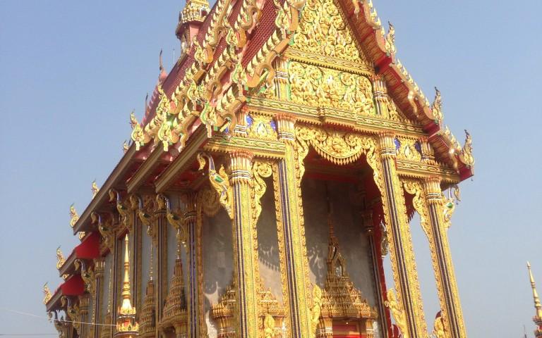 Красавец-храм