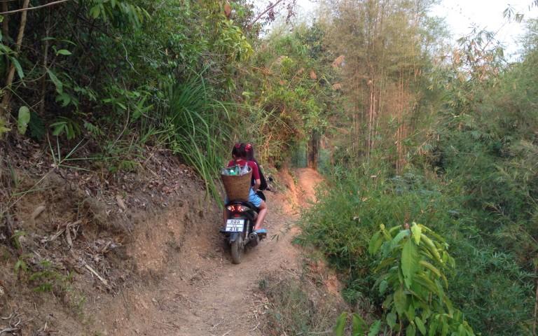 Ban Nam Sot: деревня хмонгов
