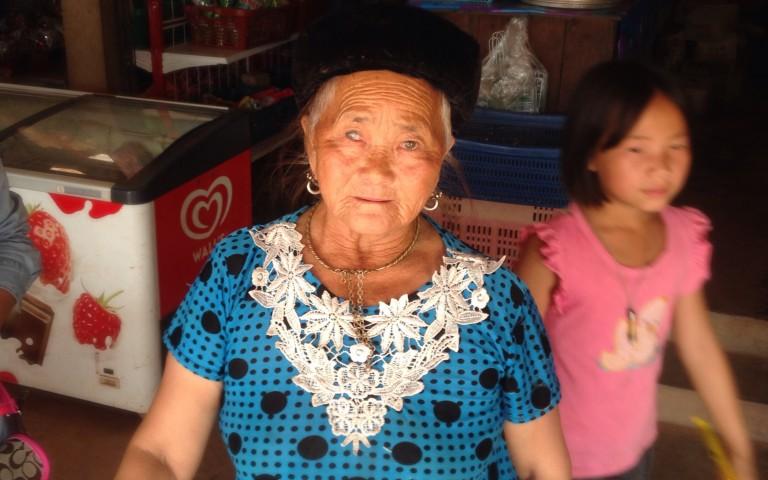 В деревне хмонгов