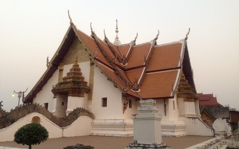 Храм Wat Phumin