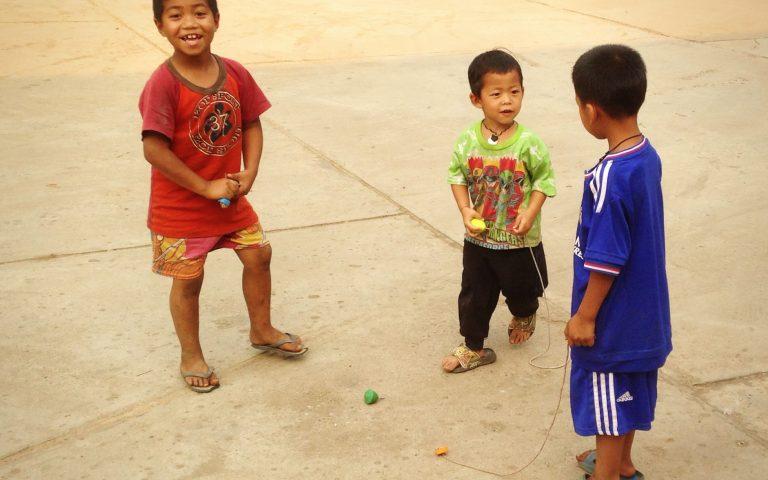 Дети племени akha 2