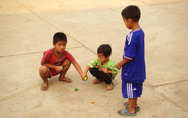 Дети племени akha 4