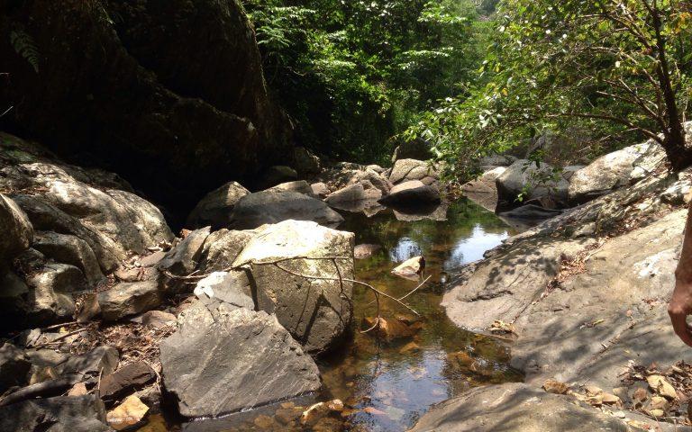 Дорога вдоль водопада Пала-У 7