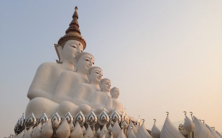 Пять Будд на восходе