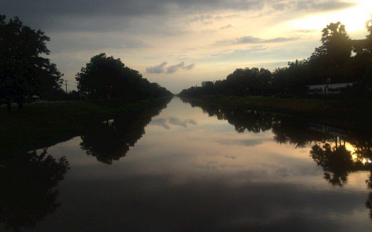 Накхон Наёк на закате