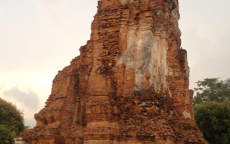 Древняя буддийская ступа