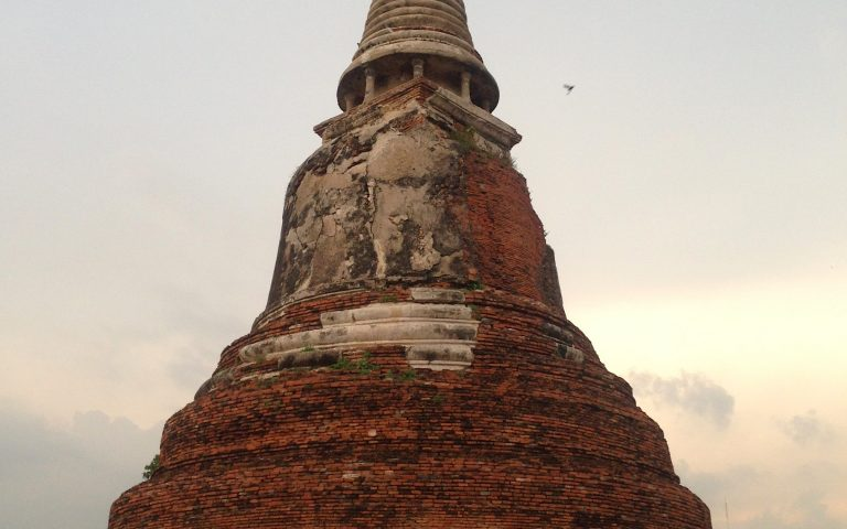 Древняя буддийская ступа 2