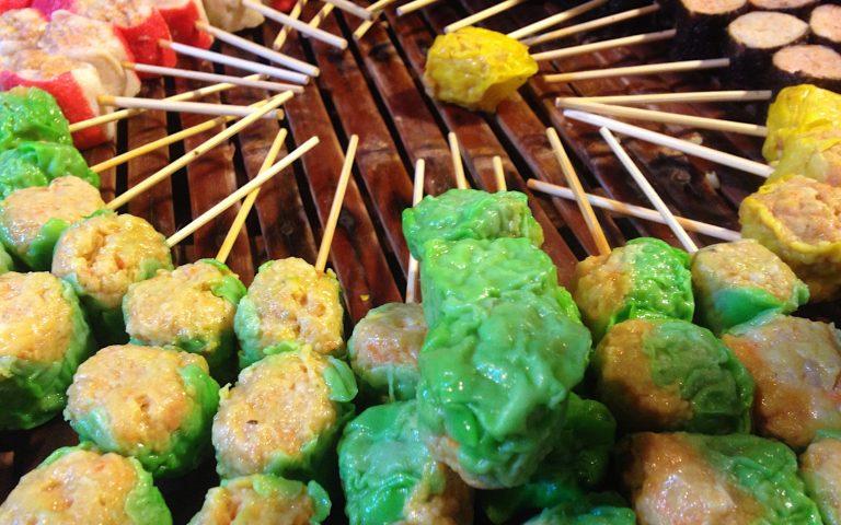 Тайская еда на палочке