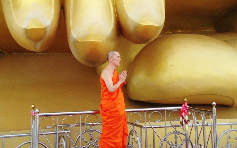 У мизинца Великого Будды 8