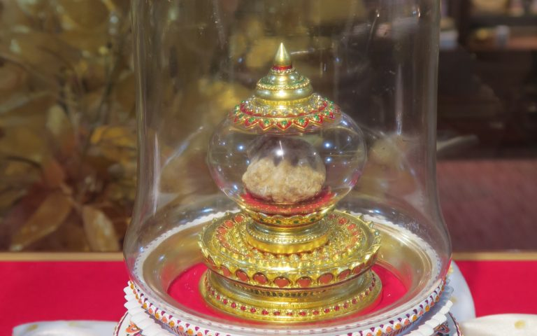 Буддийская реликвия: мощи арахантов