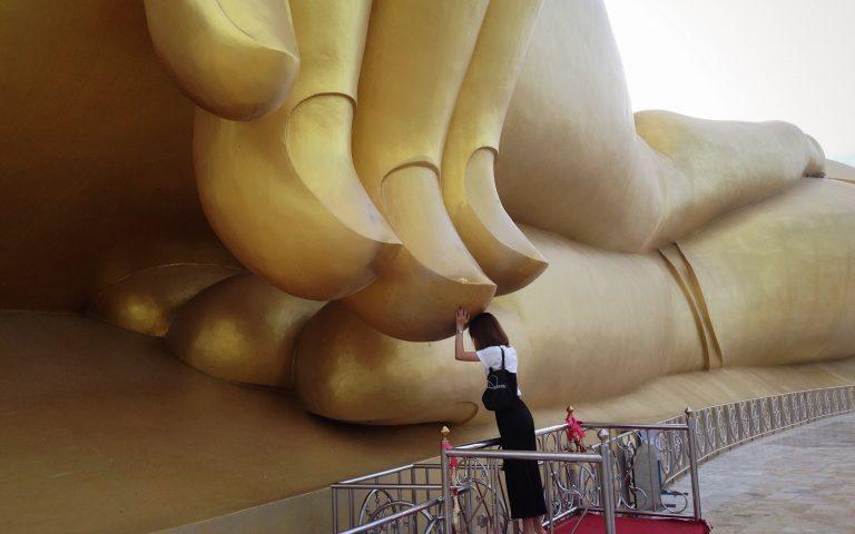 У мизинца Великого Будды 9