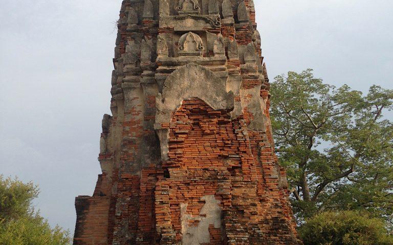Древний храм Ват Ратчабурана 3