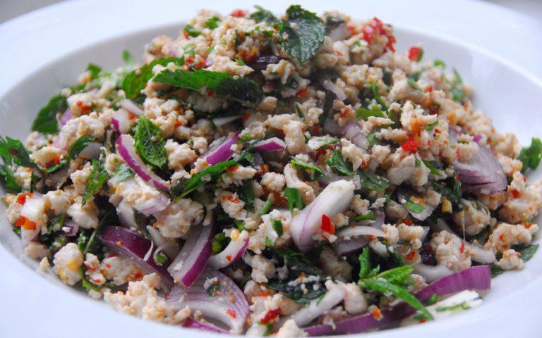 Тайское блюдо: Larb Moo