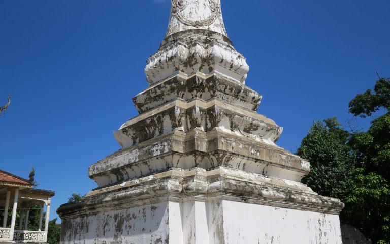 Буддийская ступа в храме Vearin