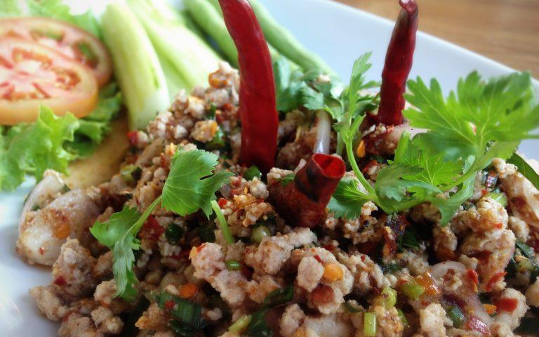 Larb Moo (ларб му), тайская кухня