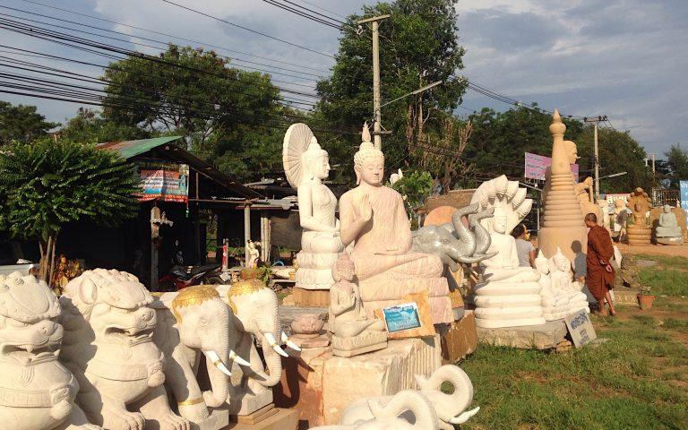 Продажа буддийских статуй