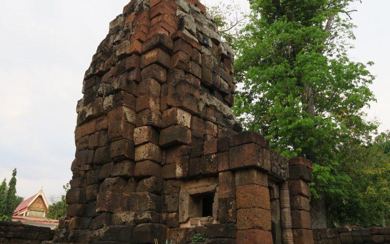 Храм Wat Thep Prasat