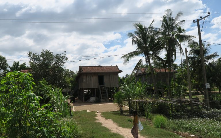 Типичный камбоджийский «домик в деревне»