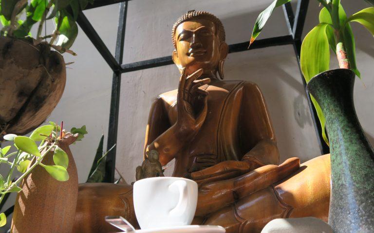 Кофейный Будда из Пномпеня