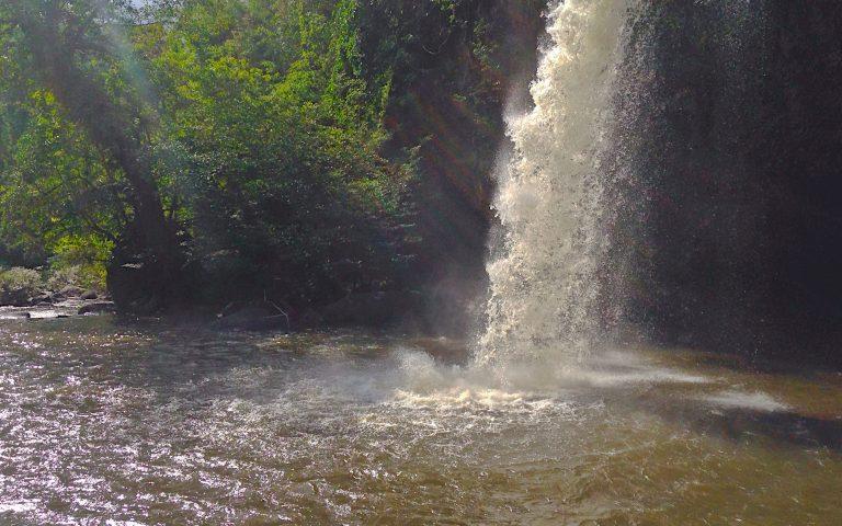 Водопад Hew Su Wat
