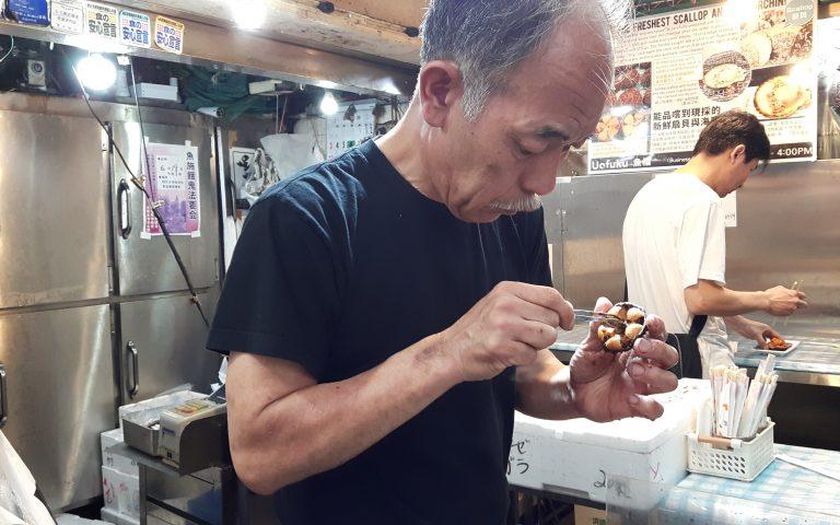 Ракушных дел японский мастер