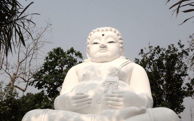 Будда весь в белом