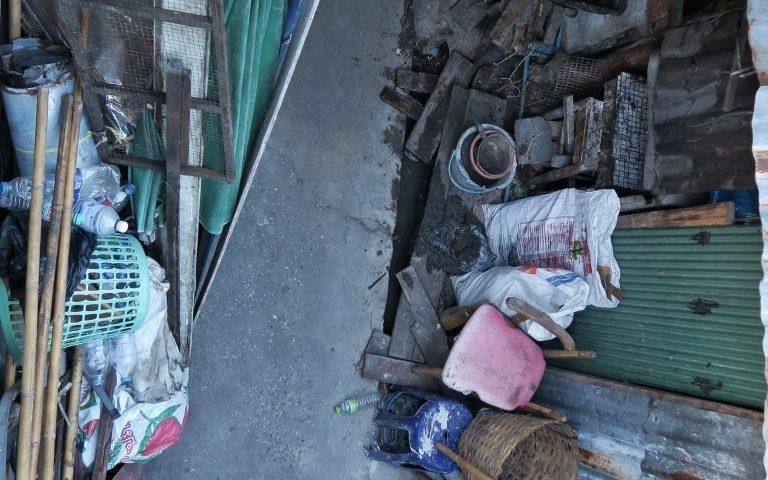 Улица типичных трущоб Бангкока