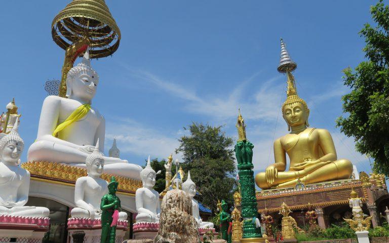 Буддийский храм Wat Tai Phrachao Yai Ong Tue