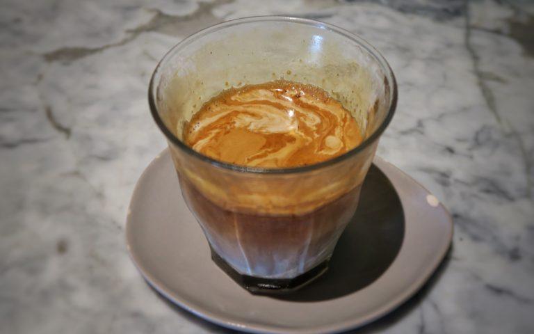 «Грязный кофе» (dirty coffee)