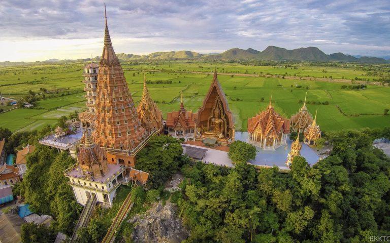 Невероятный буддийский храм Wat Tham Suea